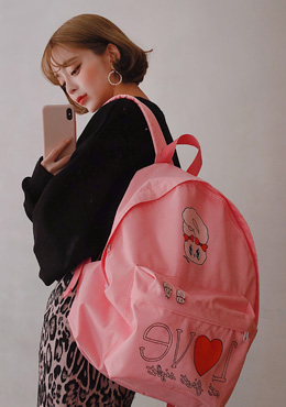Estherloveschuu in love backpack 패션쇼핑몰 츄(Chuu)