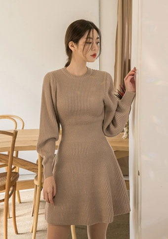 [CHUU] A-line Puffed Sleeves Dress